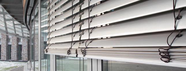 brises soleil orientables reims eurostores stores. Black Bedroom Furniture Sets. Home Design Ideas